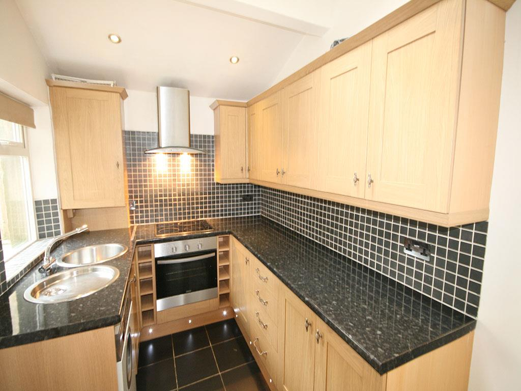 3 bedroom mid terrace house To Let in Barnoldswick - IMG_0931.jpg